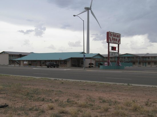 Tristar Inn Xpress: Closer view of front section