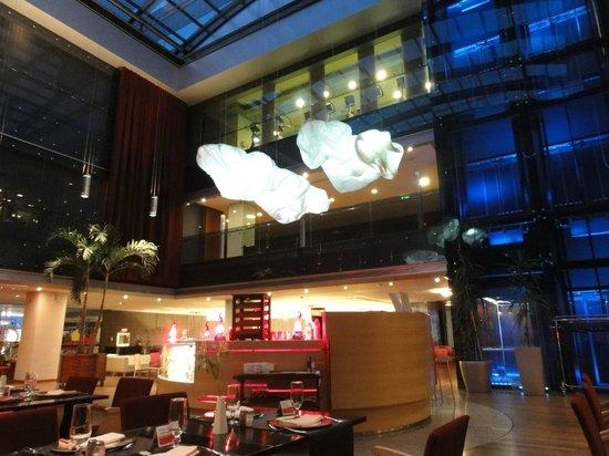 Ramada Sibiu: Restaurant y salones . un hermoso hotel muy bien ubicado