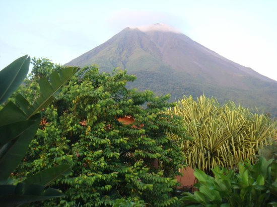 Hotel El Silencio del Campo: View of Arenal Volcano from our room.