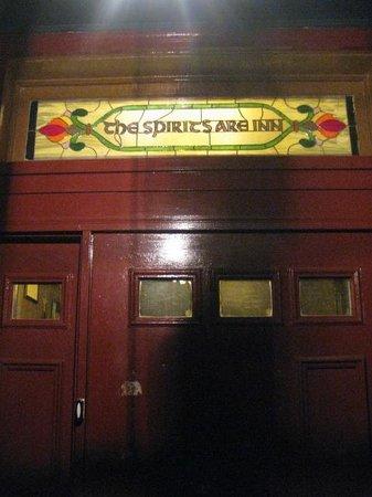 Shanley Hotel: Front Door