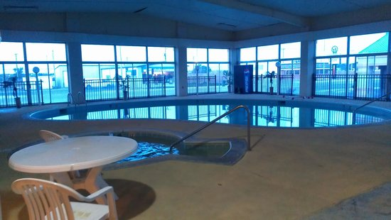 Days Inn Dodge City : Indoor Pool view 2