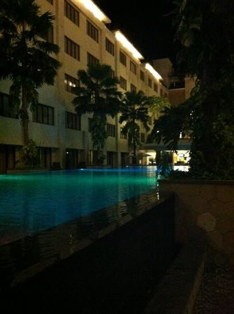 Aston Kuta Hotel & Residence: Pool