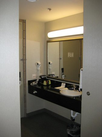Best Western Plus Sundial: Vanity / sink area