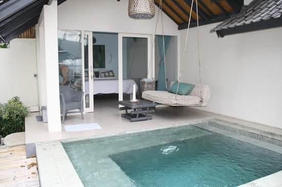 Lilin Lovina Beach Hotel: Our room and private plunge pool