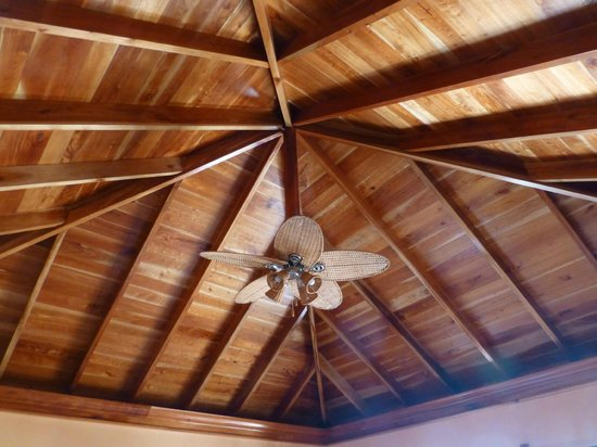 The SPA Retreat Boutique Hotel: Our gorgeous ceiling