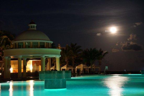 Iberostar Grand Hotel Paraiso : Full Moon at the Pool