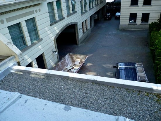 Sylvia Hotel: Room 317 view of dumpster and parkade entrance
