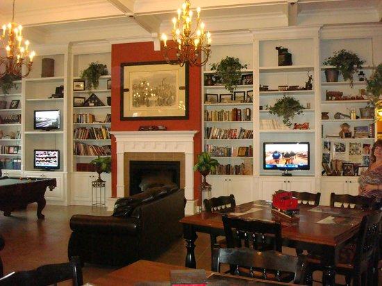 Depot Inn & Suites: Lobby