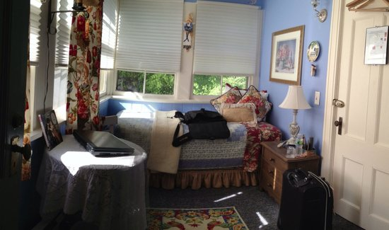 A B&B at The Edward Harris House Inn: The Sleeping Porch (Rosemary's Suite)