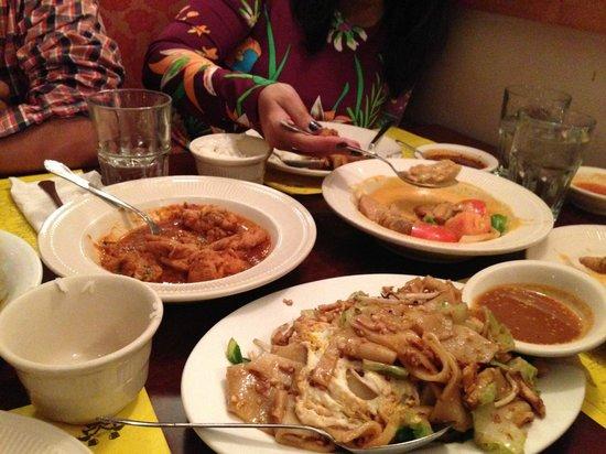 Mandalay Restaurant & Cafe: Flat noodles at Mandalay