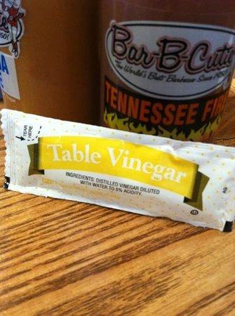Bar-B-Cutie Mt. Juliet tn: Odd little vinegar packets