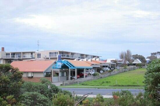 Beachfront Motel: View from across the street