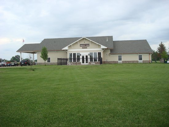 Depot Inn & Suites: In the huge yard, north side of Depot Inn