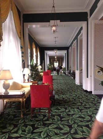 The Greenbrier: Corridor to main dining room