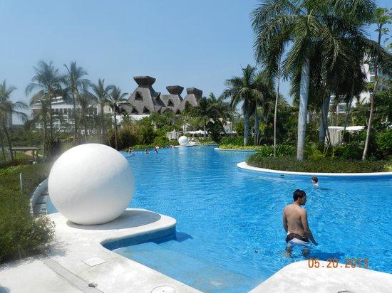 Grand Luxxe Nuevo Vallarta: Tower 1 Pool - Grand Luxxe