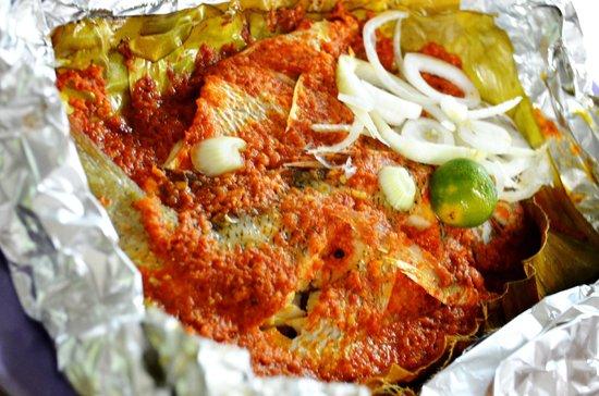 San Pedro: baked fish