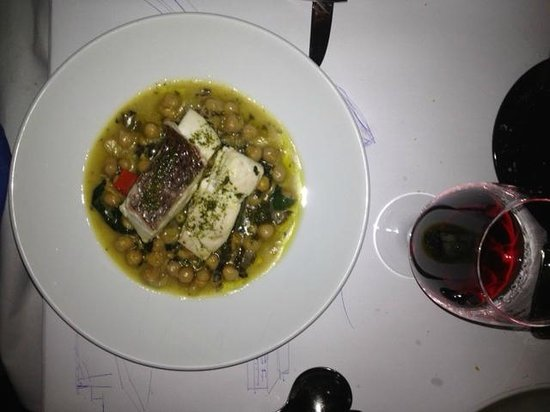 A Tavola: Fish on a bed of chick-peas (Gabonzo beans)