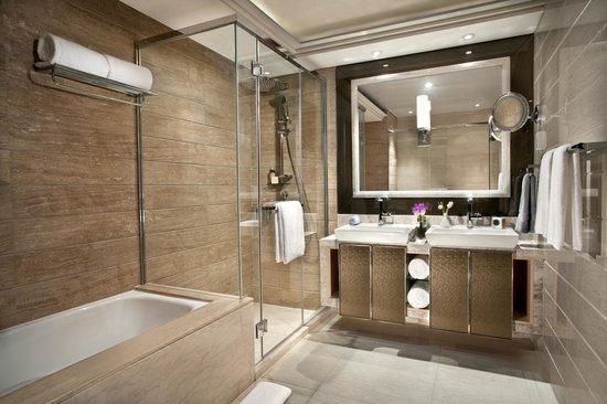 Savills Residence Century Park: Barhroom