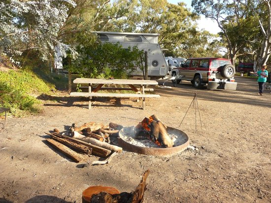 Southern Flinders Ranges Experience with Lunch: The Campfire area at Spear Creek Station Caravan Park