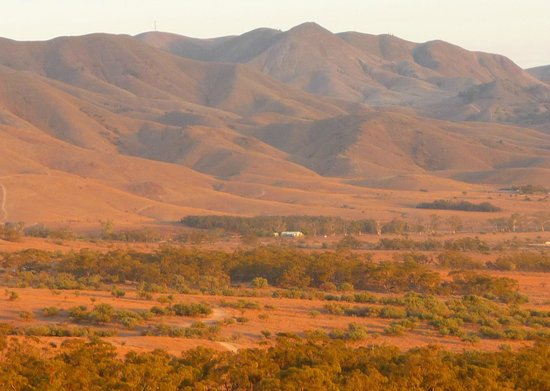 Southern Flinders Ranges Experience with Lunch: View from Sunset Hill, Spear Creek Station Caravan Park
