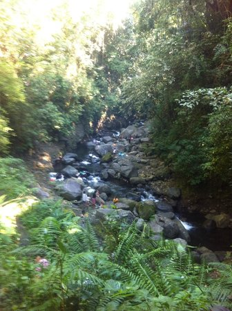 Mt Banahaw: Washing clothes at the river - still exist