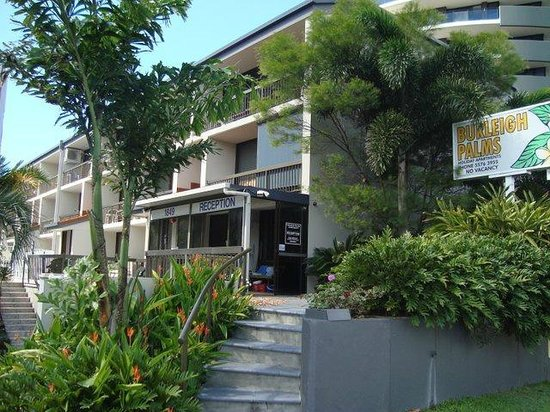 Burleigh Palms Holiday Apartments : reception and front entrance