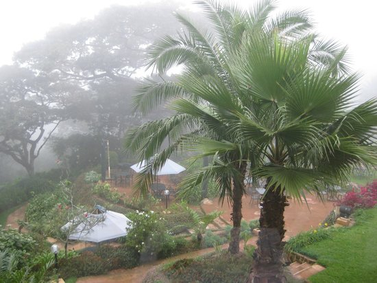 Sunbird Ku Chawe: View from the restaurant on the foggy day of our visit