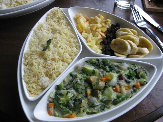 Sunbird Ku Chawe: Vegetable Thai curry