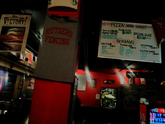 Panico's Pizza: Inside Panico's