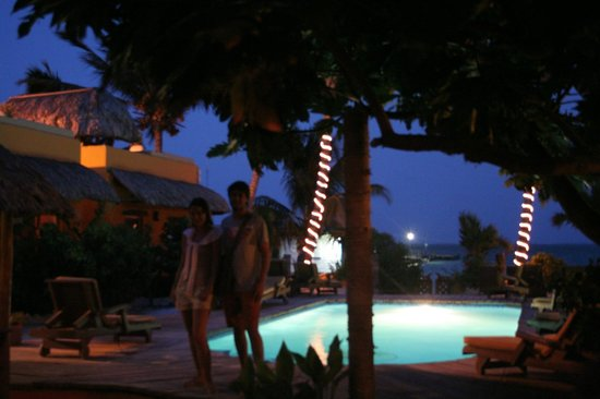 Seaside Cabanas: The sparkly nightime pool scene