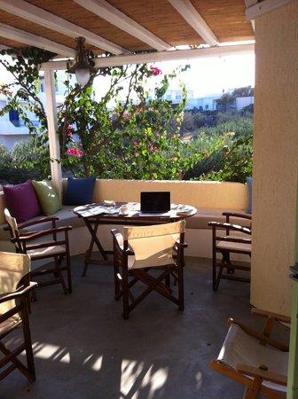 Delmar Apartments & Suites: The loggia on the suite