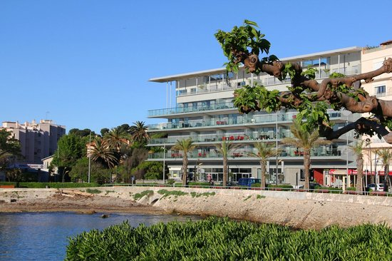 Royal Antibes Hotel, Residence, Beach & Spa: Frontal view of Royal Antibes Hotel