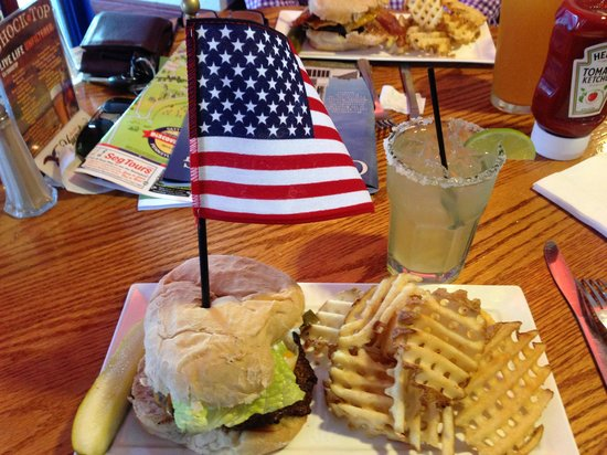 Blue & Gray Bar & Grill: Gen'l Sickles Burger (hope you like pickles)