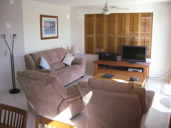 Cheltenham Apartments: Lounge