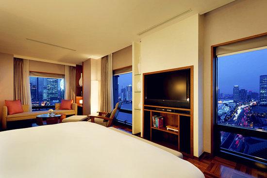 Les Suites Orient, Bund Shanghai: Orient Suite bedroom