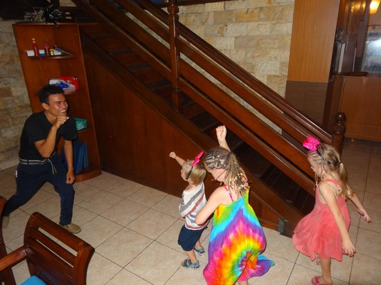 Our's Bar & Restaurant: Kiddies dancing with the waiter