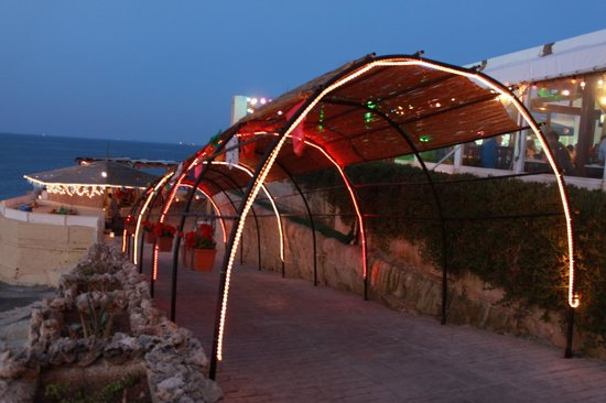 Bamba Beach: Walk Down to a Relaxed Atmosphere...