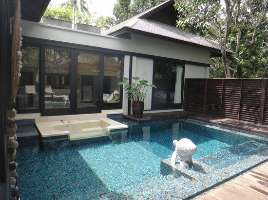 Anantara Mai Khao Phuket Villas: indoor swimming pool