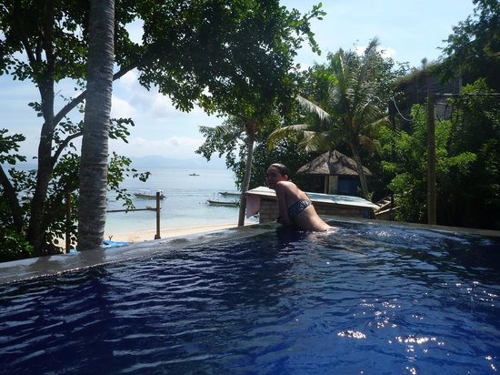 View from pool picture of song lambung beach hut nusa lembongan tripadvisor for Swimming swimming in the swimming pool song lyrics