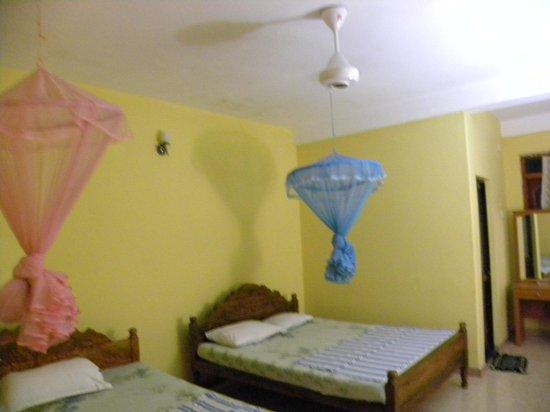 Pleasure Island Guest House: Room