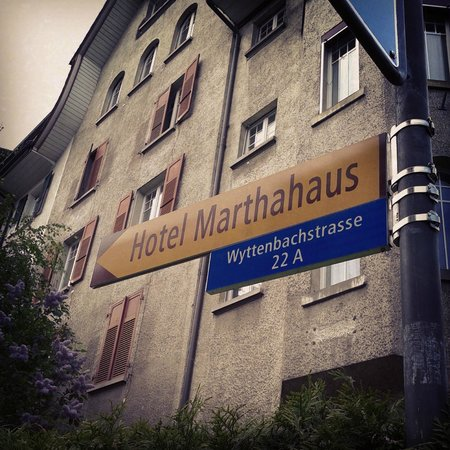Hotel Marthahaus: Outside of the hotel...