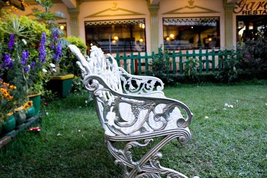 The Garden Café: 1