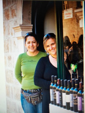 Vina Milicic: Suzana and Dolores from the wine shop