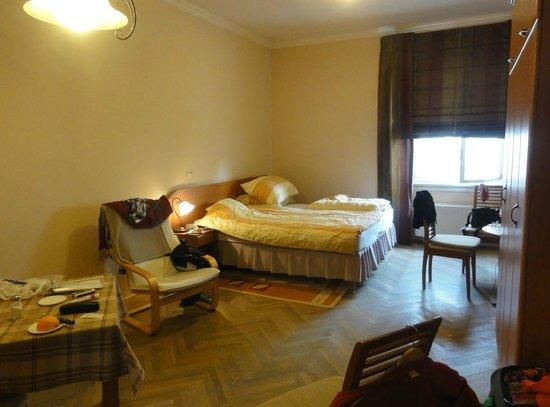 Kalvin Apartments : bedroom