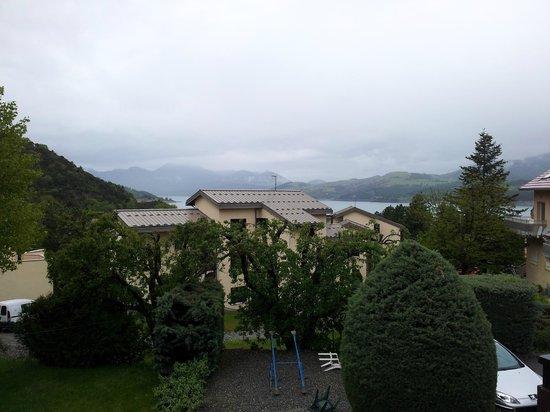 Hotel Les Sources: chambre avec vue sur le lac ou sur la maison ??