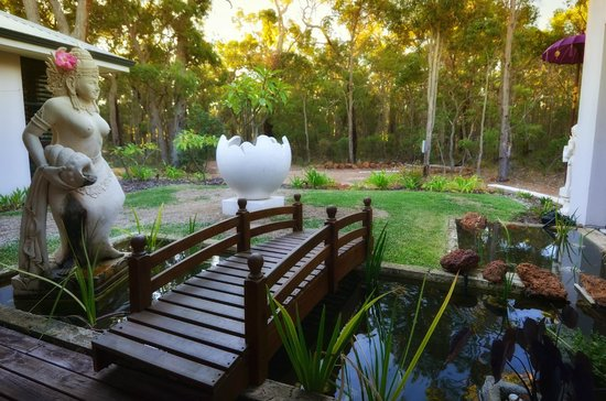 """Seclusions"" of Yallingup: gardens"