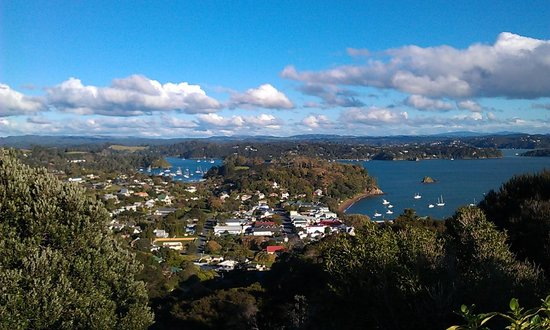 Russell TOP 10 Holiday Park : Russell from the lookout