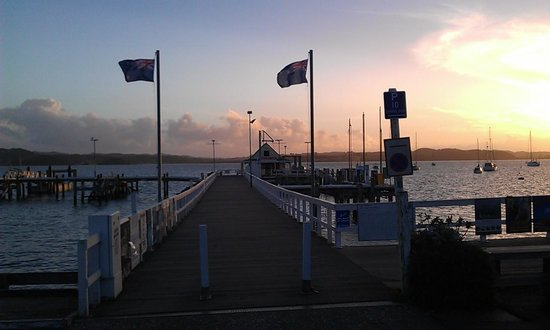 Russell TOP 10 Holiday Park: Sunset at Russell Pier