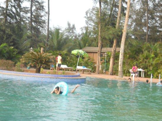 Ratnasagar Beach Resort : swiming pool