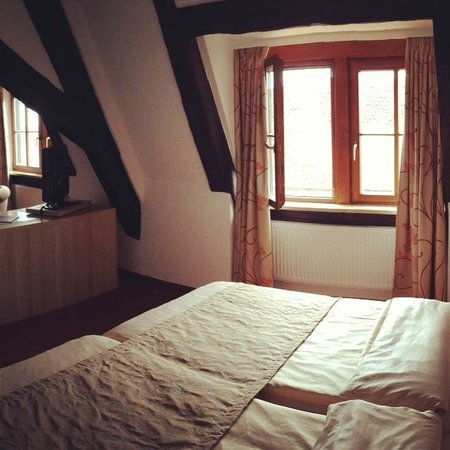 Altes Brauhaus: Bed area (standard double-room)